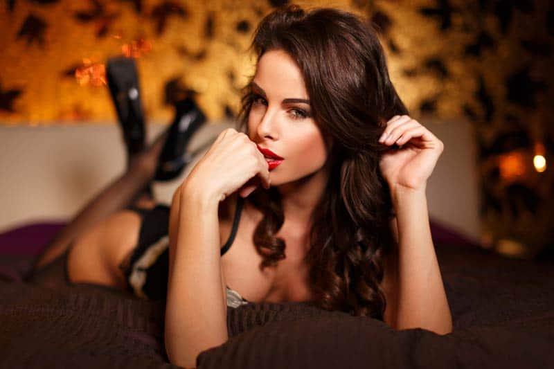Hotline devojke – romantični ili vrući razgovori